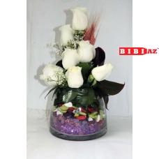 Композиция из 7 белых роз (7752)